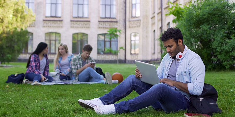 Distance learning technologies for universities